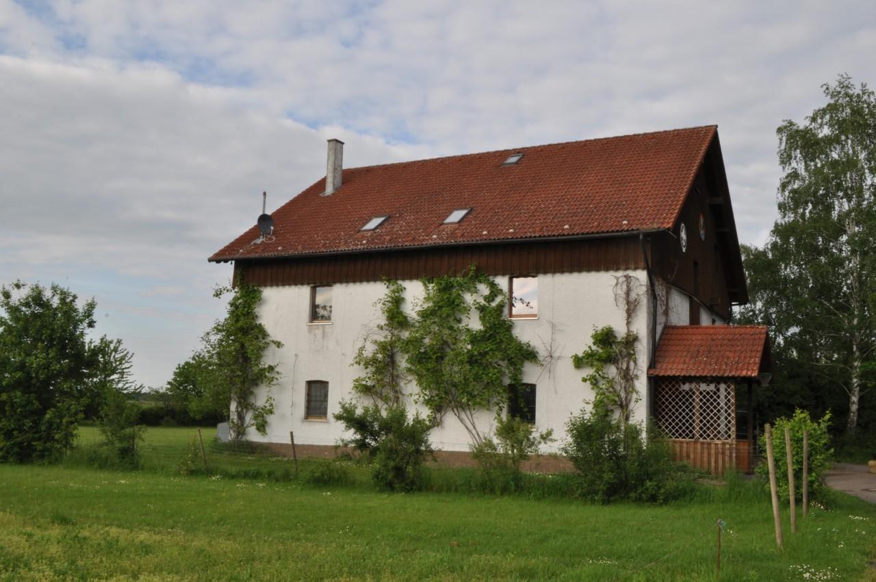 Haus von der Zufahrt
